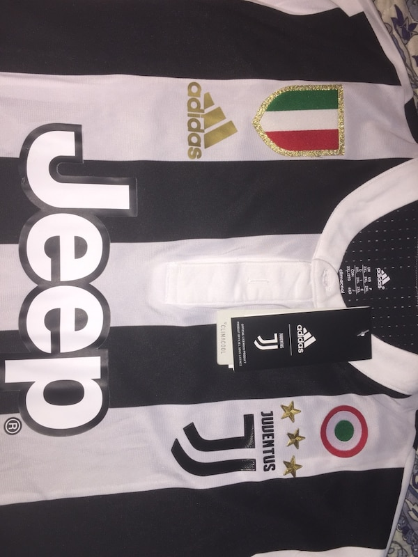 more photos 3f8bf a9cc8 Buffon 1 Juventus jersey new size xl Tags read xxl but fits xl USA size  excellent quality you're gonna love this !!!