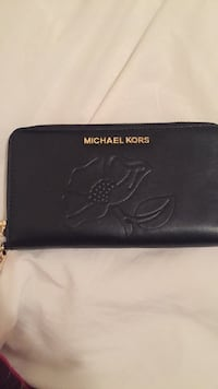 black leather Michael Kors wallet 1963 km
