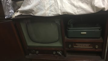 1940s tv nd radio receiver and record player stereo unit