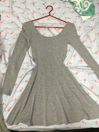 gray scoop-neck long-sleeved dress Gatineau, J8T 8C7