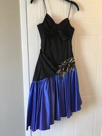 Lots of dresses for women ! Good condition  Laval, H7X 3L3
