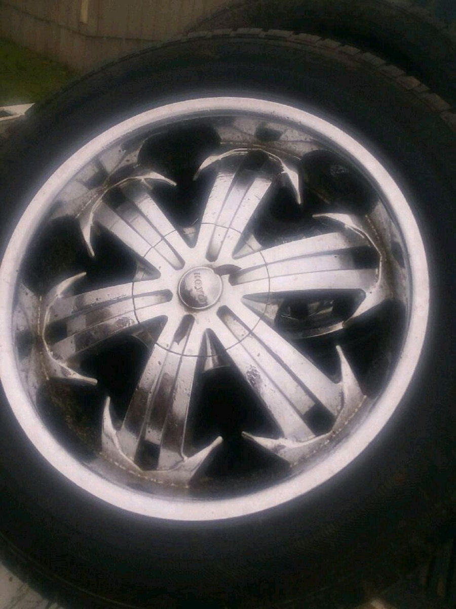 Photo 20 inch wheels and tires, universal lug pattern, 5 lug. Tires are 60%
