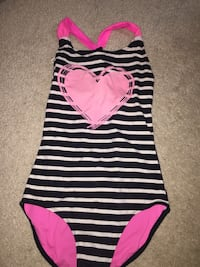 Girls bathing suit Annandale, 22003