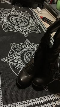 pair of black leather boots Windsor, N9C 1R3
