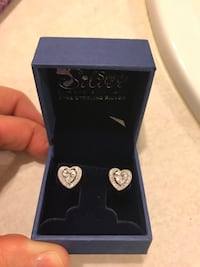BRAND NEW STERLING SILVER HEART EARRINGS  North Las Vegas