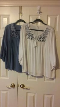 women's white and blue long sleeve tops