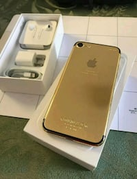 gold iPhone 7 with box