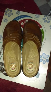 earth spirit brown shoes