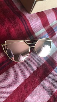 silver framed aviator style sunglasses Vancouver, 98682
