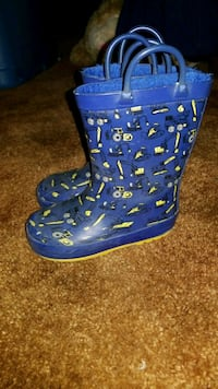 Boys rain boots with liner Barrie, L4M 6L1