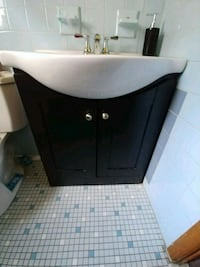 Sink, faucet, base cabinet and medicine cabinet Bayonne, 07002