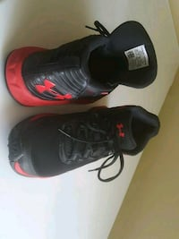 Under Armour boys shoes size 6.5Y Germantown, 20874