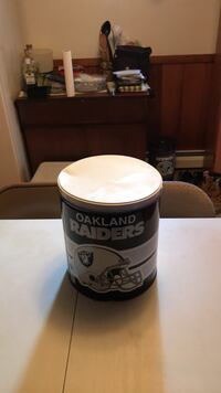 Oakland Raiders metal can with lid Herndon, 20170