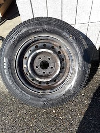 Roadstone Winguard 195/70R14 with Rims