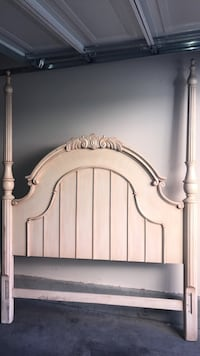 Queen bed frame  Las Vegas, 89149