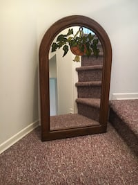 Beautiful Wood Framed Mirror. 33 Inches High, 20 Inches Wide. Great Condition. Changing Decor Cochrane, T4C 0T3