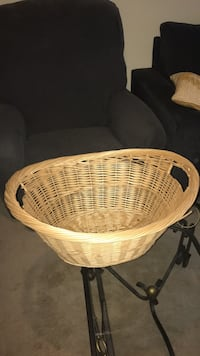 Storage, Large wicker basket with handles 20008