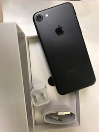 Factory unlocked apple iphone 7 , sold with warranty Somerville, 02145