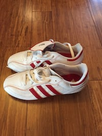 white-and-red Adidas Superstar Montréal, H2L