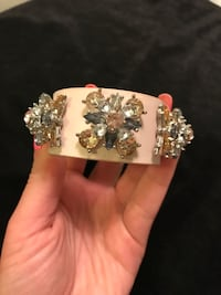 gorgeous bracelet light pink Richmond Hill, L4C 6Z9