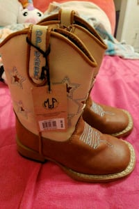 Brand new toddler boots Bakersfield, 93309