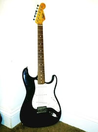 Squier Strat by Fender Electric Guitar Washington, 20019