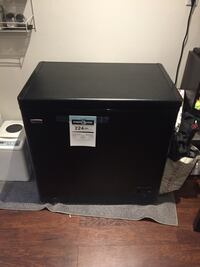 Like New Chest Freezer Newmarket, L3Y 4R4