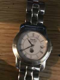 round silver-colored analog watch with link bracelet New York, 10461