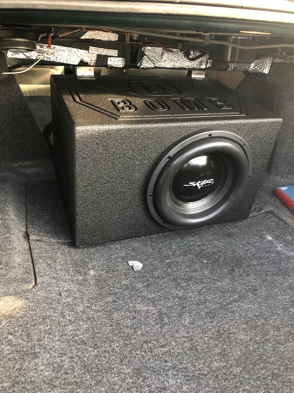 Skar Audio 12inch EVL 2500 watt max RMS SUB WITH Q Bomb box with Skar Audio  amp 1500 skv2 1500 watt amp