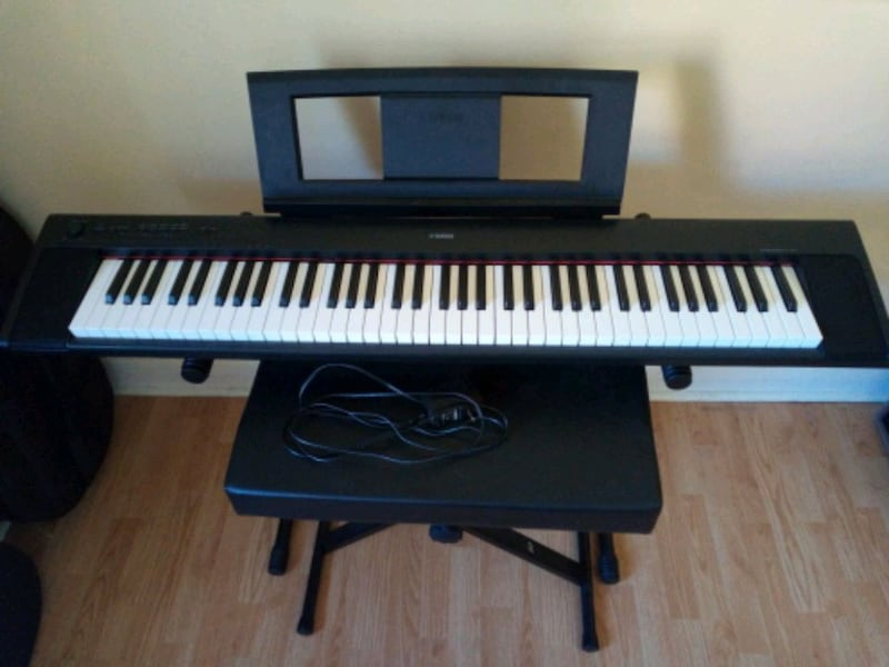 72-Key Yamaha Piaggero NP-32 with All Accessories 04bd557b-a1f4-4c57-8b23-d5f47deb0ff1
