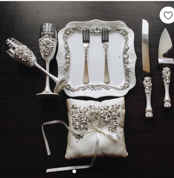 White and silver cake server set of 8