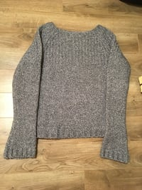 Young Women's Sweater. Ciera + Co.  Size Large Halifax, B2Z