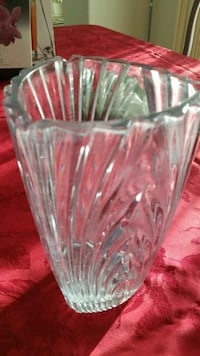 clear cut glass vase Vancouver, 98683
