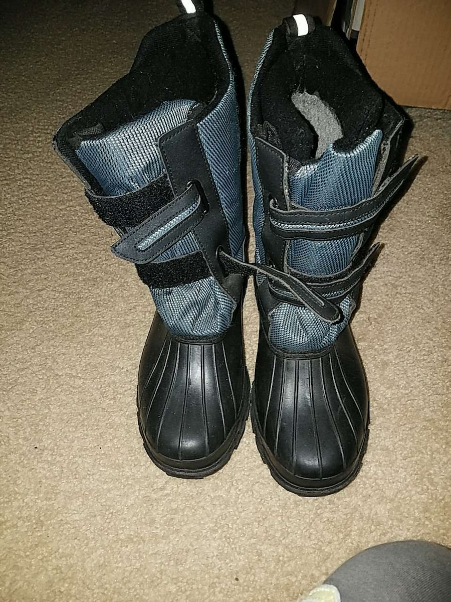 Snow boots $50 obo