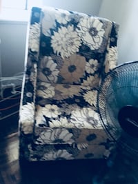 white and blue floral fabric sofa chair Toronto, M9N 1Y3