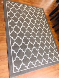 Brand new area rug 5 ft / 7 ft Brampton, L6V 4K9