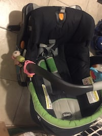 Chicco baby car seat Rockville, 20854