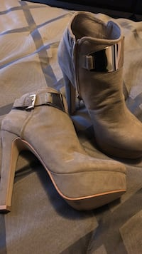 pair of brown suede chunky heeled booties Toronto, M1T 3G2