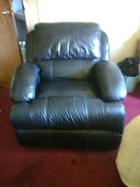 Black Leather Recliner Indianapolis, 46241