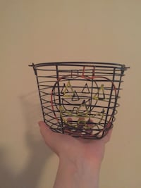Set of 2 for $1 good condition baskets Hyattsville, 20784