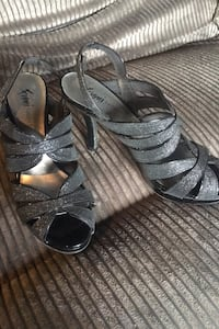 Homecoming shoes size 8 Waterford, 48329