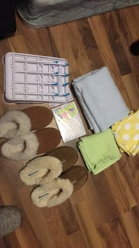 2 brown fur home slippers also baby items Tenino, 98589