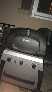 gray and black Kenmore gas grill