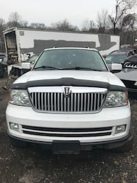 2005 Lincoln Navigator (parts only )
