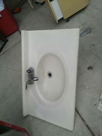 white ceramic sink with faucet Bakersfield, 93307