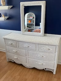 White wicker girls bedroom set Lancaster, 17601
