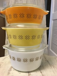 Town and country vintage Pyrex milk glass casserole nesting set Oklahoma City, 73145