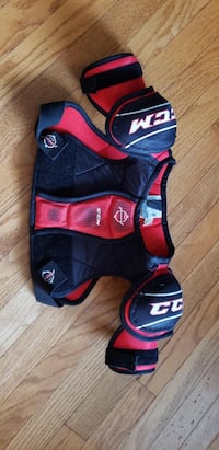 Hockey Youth large shoulder pads