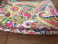 Double size cynthia rowley quilt coverlet w/pillows Ottawa
