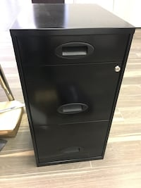 3 drawer metal file cabinet Vienna, 22031